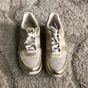 UGG treadlite sneakers US size 8 gold and tan